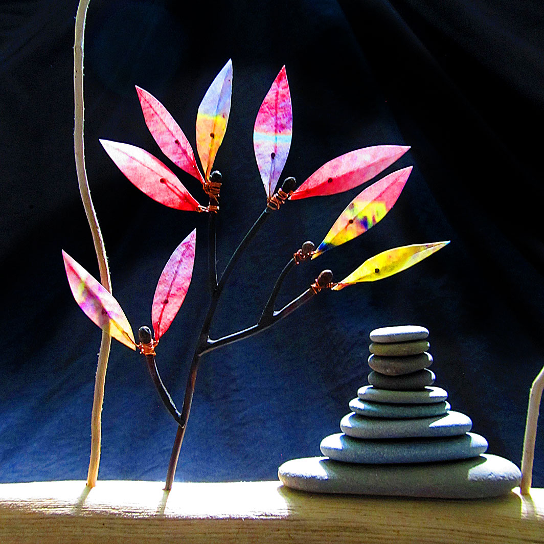 Pink-leaf tiny tree